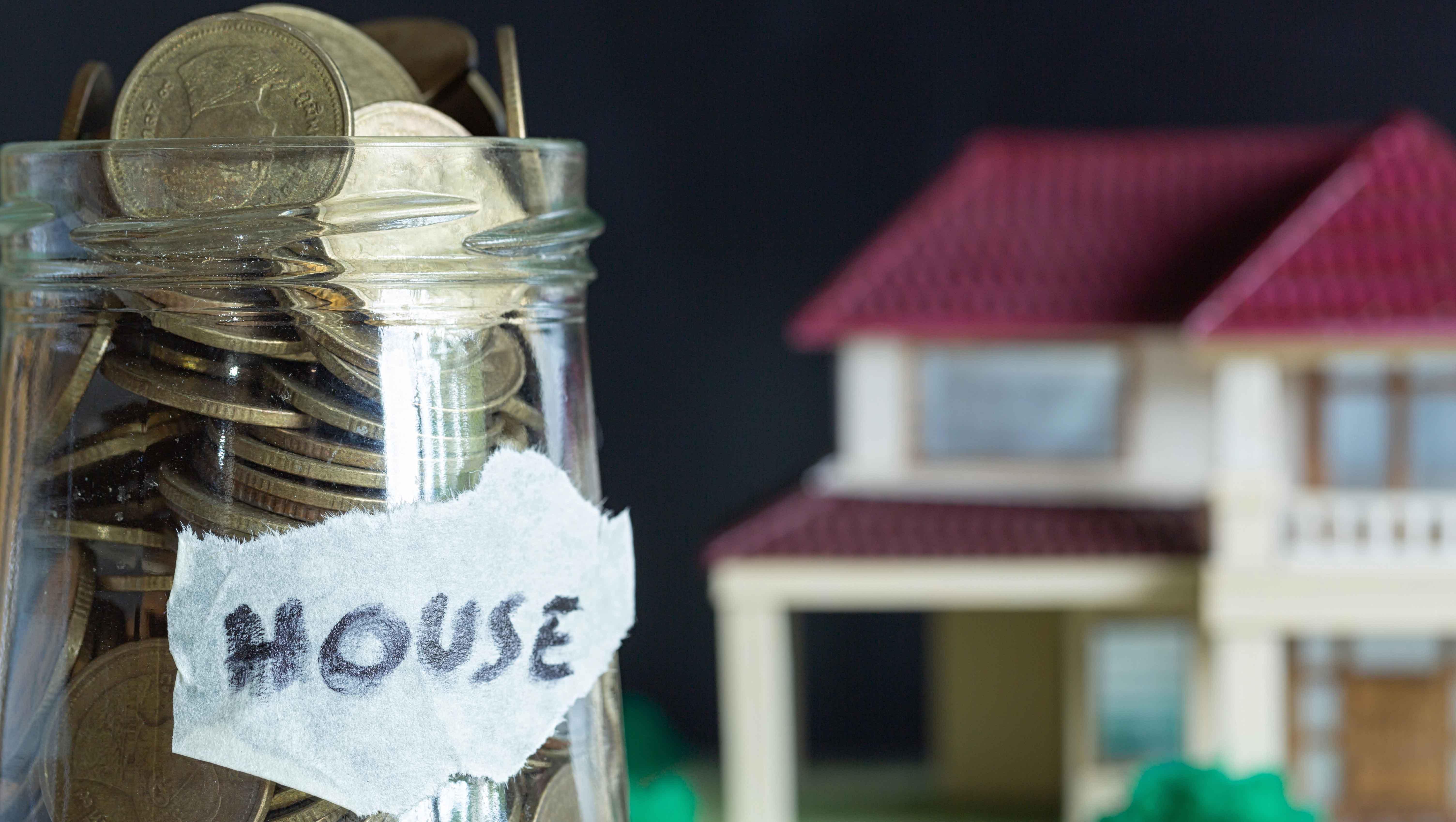 Stratégies d'épargne simples pour votre première maison